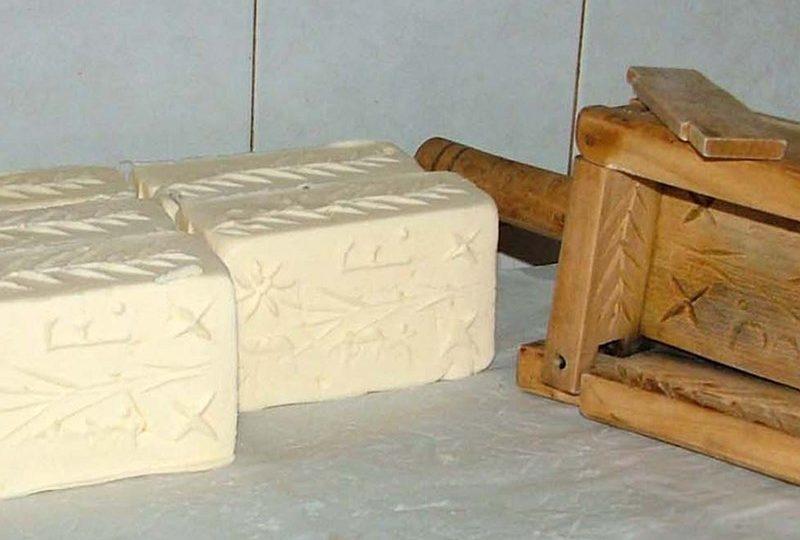 burro a latte crudo di malga