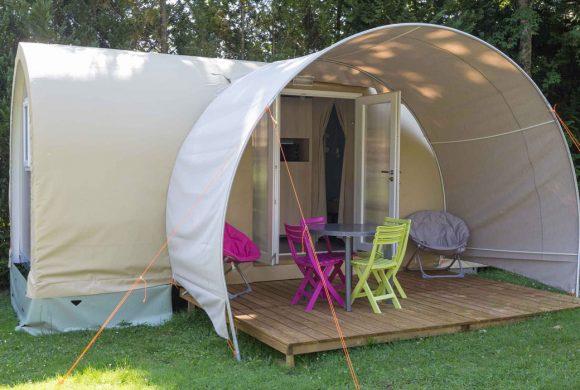 esterno tenda camping il roncolo, oasi immersa nelle campagne umbre
