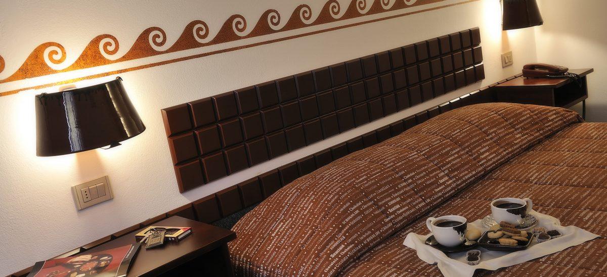 interno stanza etruscan chocolate albergo dedicato al cioccolato