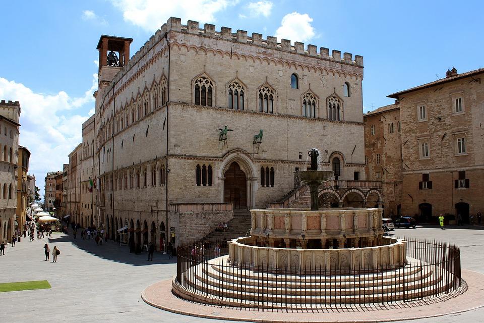 piazza IV novembre Perugia, Fontana Maggiore e Palazzo dei Priori
